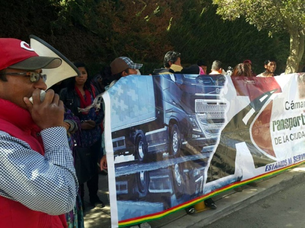 C nsul de bolivia en arica remiti quejas por cierre de for Garajes metalicos en bolivia