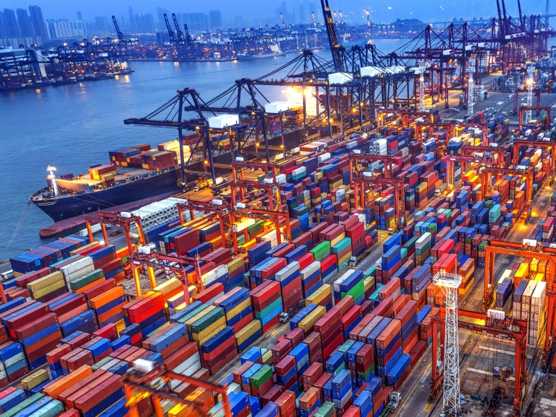 Tráfico y operaciones portuarias
